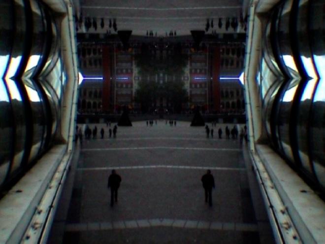 © Nicolas Carras : Transfiguration : Esplanade Pompidou 01